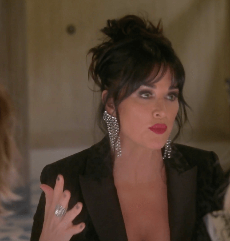'RHOBH' Cast Turning on 'Toxic' Kyle Richards and Trying To Ice Her Out!